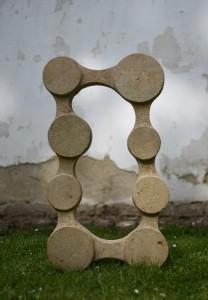 Frame - pískovec, 80x45x17 cm